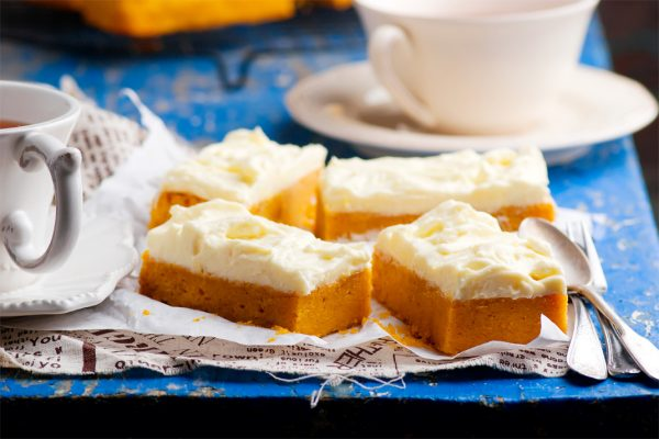 Pumpkin Cake With Cheese Cream Frosting