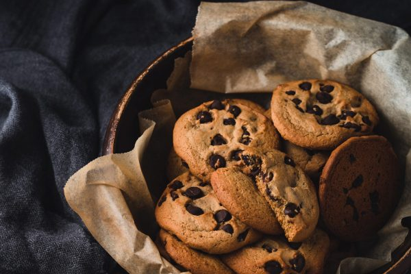 THE BEST CHEWY CHOCOLATE CHIP COOKIES 2
